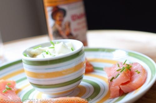 mashed potatoes, ebrius, smoked salmon fillet
