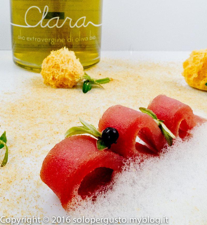 Tonno marinato al sambuca, olio Clara, amicizia e noi speriamo che vinciamo